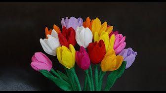 Hoe maak je bloemen uit crêpepapier? - YouTube