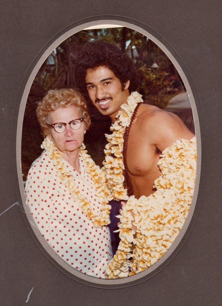 It had been a long time since Grandma had been lei'd. This is the most hysterical picture. I laughed for a long time!