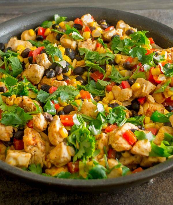 Southwestern Chicken Skillet Dinner - http://stlcooks.com/2014/05/southwestern-chicken-skillet-dinner/