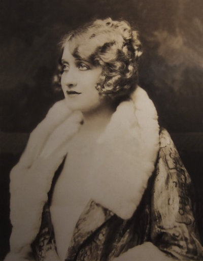 Ruth Etting - (1927)  Photo: Alfred Cheney Johnston (Via Historical Ziegfeld)