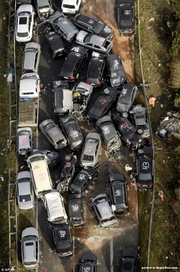 Massive Car Crash in Autobaun