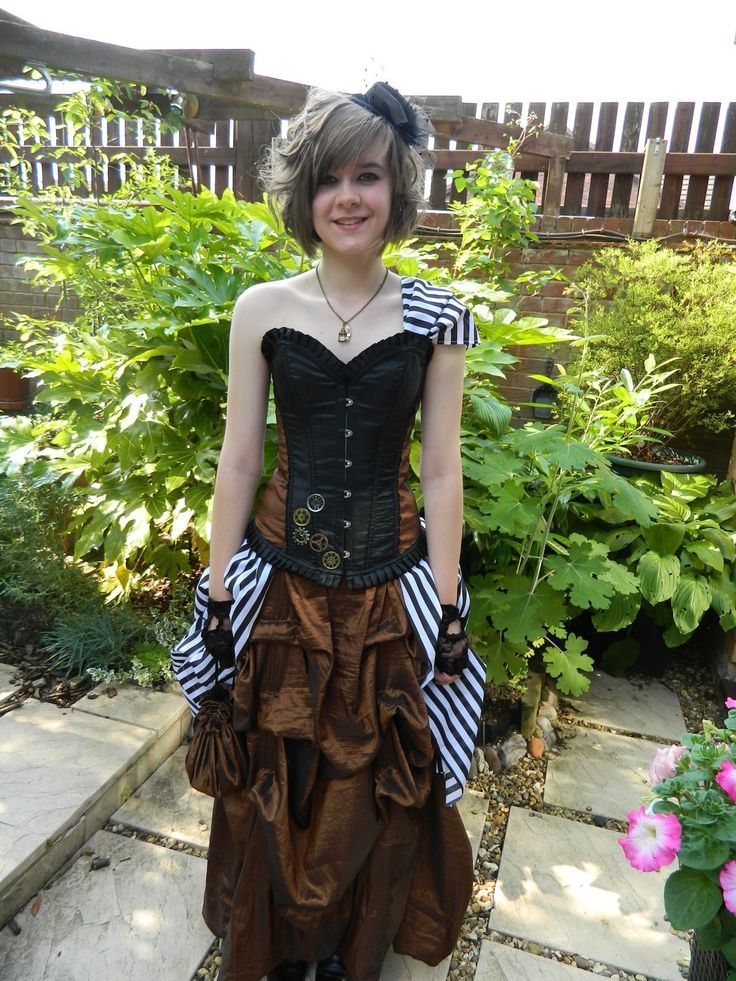 Steampunk Prom Dress • Free tutorial with pictures on how to sew a prom dress in 8 steps
