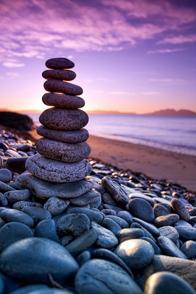 This reminds me of Hawaii when we saw all the stacks of rocks this same way