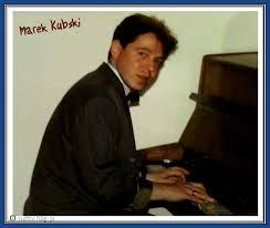 Marek Kubski plays piano
