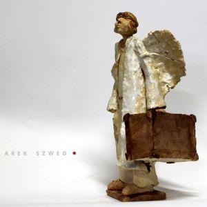 Anioł w podróży, Angel in Travel, ceramic sculpture