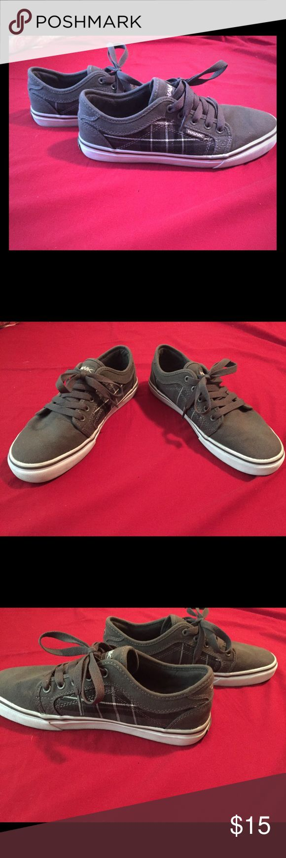 Tony Hawk Sneakers Good condition. Some dirt/ scuffing on back on the heel mainly. Still very comfortable! Tony Hawk Shoes Sneakers