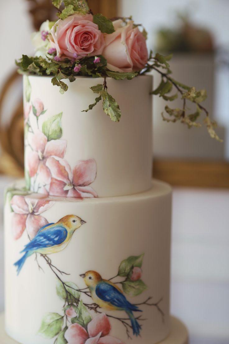 handbemalte Hochzeitstorte mit Vögeln und Magnolien. Von Emily Hankins Cak …   – Emily Hankins Cakes – My Cakes