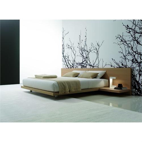me gusta la cama el decorado las almohadas pero no que sea a ras de piso ni la mesa de noche.