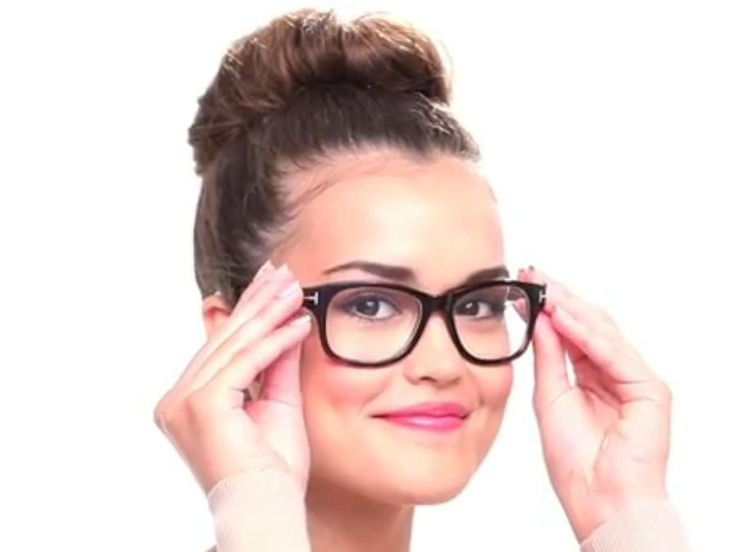Short Hairstyles For Round Faces And Glasses New 2014