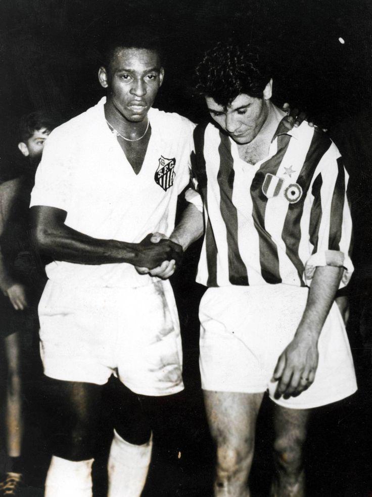 Pelé (Santos FC) et Omar Sivori (Juventus Turin) 1962
