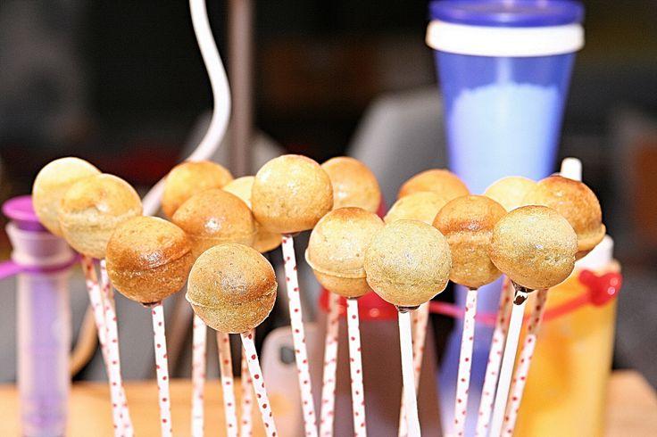 Díszítésre várva. Sütinyalókák. Waiting for decoration. Cake pops. #sütinyalóka #cakepops #gastrogranny #gastrogrannyblog
