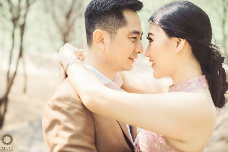 You have no idea how important you are to me, and i have no idea how to explain it to you. . Courtesy from Grace & Nicholas Prewedding Location Cemara Sewu Beach, Bantul Yogyakarta . . Photograph by @andrew_rawk Make Up by @amrysophiamakeup Check our website for the other photos at www.alvinphotography.co.id