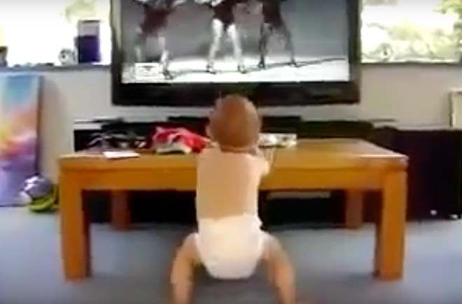 """Baby Dances To Beyonce's """"Put A Ring On It"""" http://viralselect.com/baby-dances-beyonces-put-ring-on-it/  #Baby #Dance #Dancing #Ring #ViralVideo"""