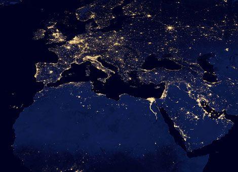 """Απίστευτες Φωτογραφίες της """"σκοτεινής πλευράς"""" της Γης – Black Marble από την Nasa"""