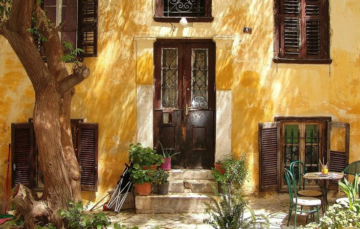 A sun-dyed front-yard in the city center of #Athens! Magical! #CivitelAthens #OlympicAthens #CivitelAttik