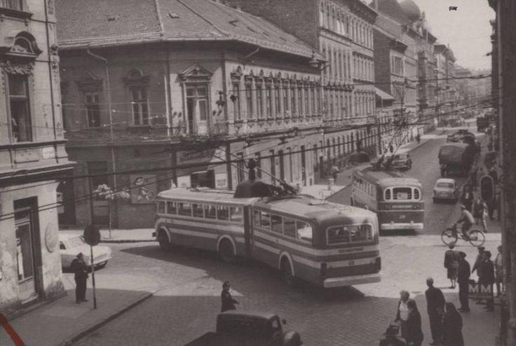 1970 táján, Garay utca. A 78-as és a 79-es Trolibuszok