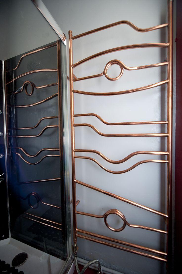 Radiateur sèche-serviette cuivre poli et verni