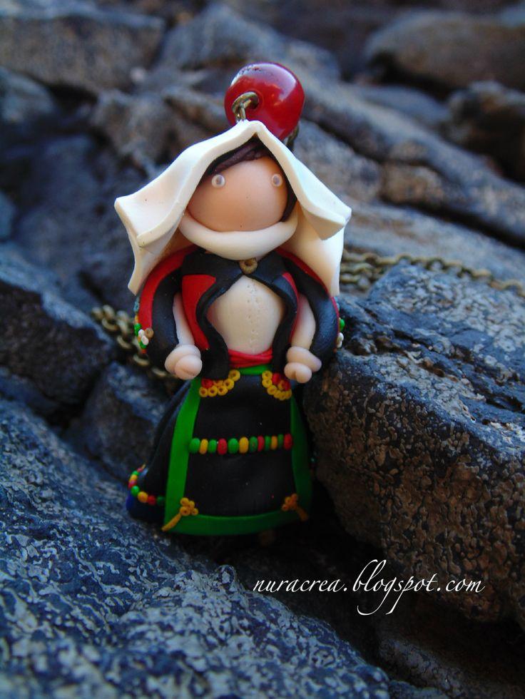 #atzara #handmade #sardegna #nuracrea abito tradizionale sardo, collana. sardinian tipical costume, necklace.  traje tipico de cerdeña, collar.