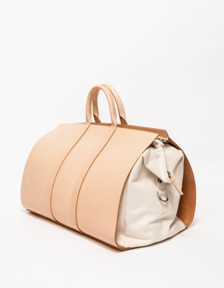 A weekender duffle bag from Building Block with a spacious and roomy interior created in collaboration with Apiece Apart.