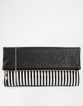 B&W never fails, especially in this bold clutch.