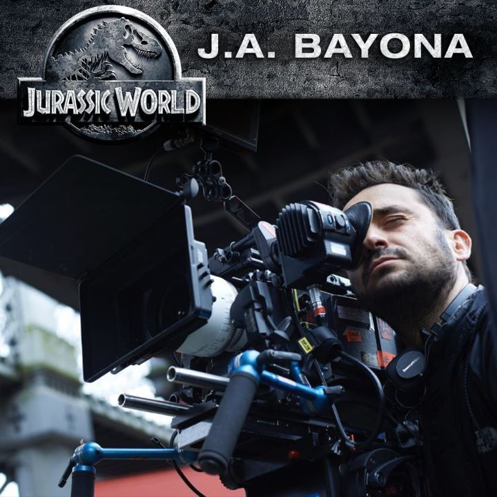 "Jurassic World 2 Finds a Director  The Orphanage filmmaker J.A. Bayona will direct Jurassic World 2.  The sequel's producer Frank Marshall revealed the Spanish filmmaker's involvement on Twitter(as spotted by Variety). ""Thrilled to announce J.A. Bayona is on board to direct  2"" he said. ""Welcome to the team.""   J.A. Bayona will direct Jurassic World 2. (Credit to Jurassic World Twitter account)  Continue reading  https://www.youtube.com/user/ScottDogGaming @scottdoggaming"