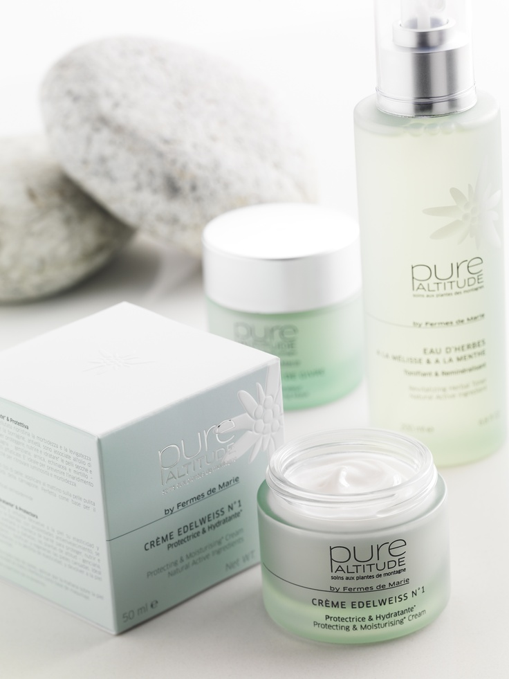 Pure Altitude // Crème Edelweiss n°1, un soin ultra hydratant contenant l'équivalent d'un edelweiss en actif dans chaque pot   An ultra-moisturising cream with the equivalent of one edelweiss in each jar  http://boutique.pure-altitude.com/creme_edelweiss_n-1__p72919.html