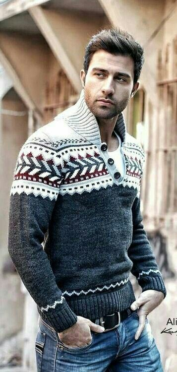 "Something about this sweater says ""Winter"" and ""Masculine"".   Men's fall and winter fashion"
