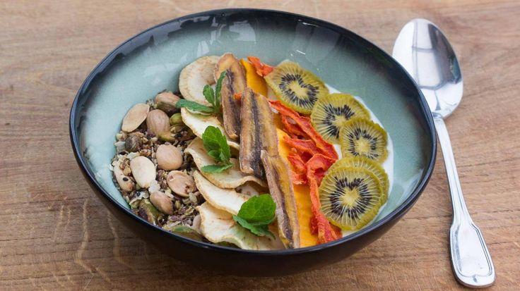 Glutenvrije granola met zelfgedroogd fruit | VTM Koken