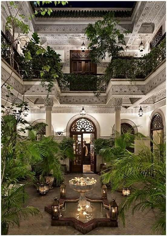 Beautiful garden setting from eye level. ABSOLUTELY EXQUISITE, AS IS THE GLORIOUS STRUCTURE, OF THE INTERNAL COURTYARD!!