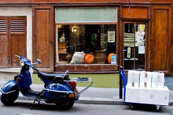 Restaurant La Tête dans les Olives, 2, rue Saint-Marthe Paris 75010. Envie : Italien, Table d'hôte. Les plus : Ouvert le dimanche, Ouvert le lundi,...