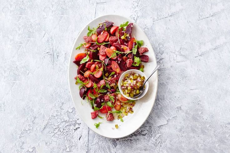 Met deze salade krijgen ze ongemerkt veel verschillende groentesoorten binnen - Recept - Allerhande