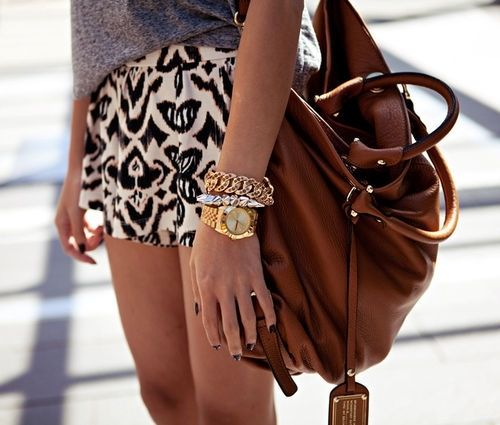 Neutrals + GoldFashion, Summer Outfit, Skirts, Style, Brown Bags, Prints Shorts, Summer Shorts, Arm Candies, Leather Bags