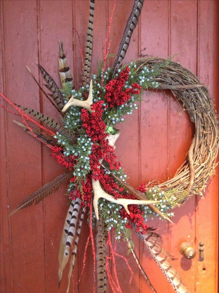 Best 25 antler wreath ideas on pinterest rustic wreaths for Antler christmas wreath