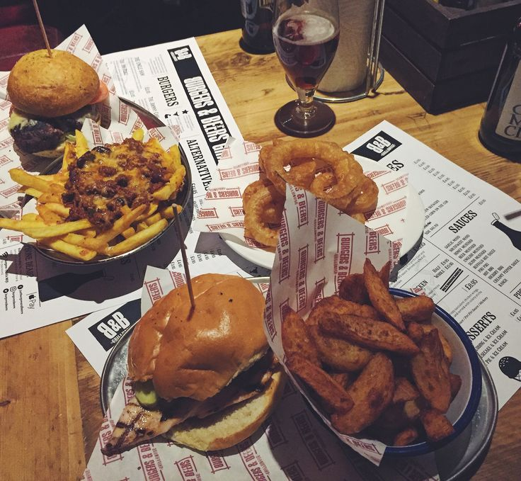 Burgers 'n' Beers on the Royal Mile #edinburgh #royalmile #burgers #burgerbar #scotland #foodie