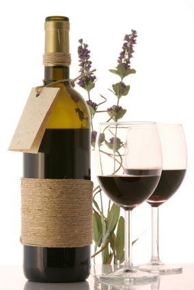 How to Throw a Wine Tasting PartyFine Red, Chianti Wine, White Flower, Luxury Fragrance, Italian Restaurants, Tuscany Chianti, Room Temperature, Drank Wine, Red Wines