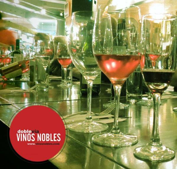 ¿Sabías que ofrecemos asesoramiento y diferentes opciones de #vinos para la atención de toda clase de #eventos? ¡Llámanos! Bogotá (571) 6105529, Medellín (574) 2686838, Cali (572) 6605100, Pereira (576) 331051