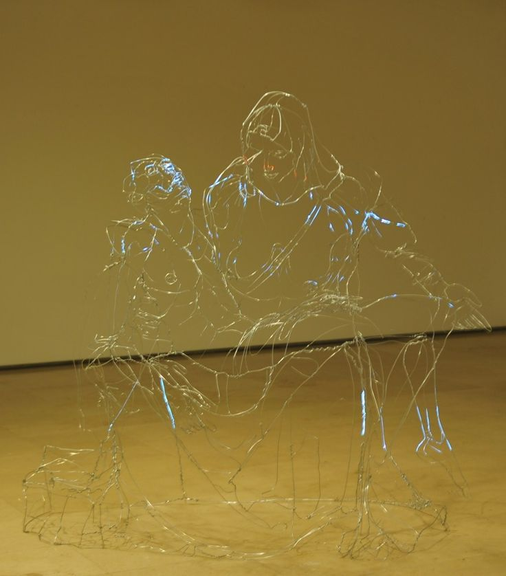 David Oliveira Draws Pictures With Wire