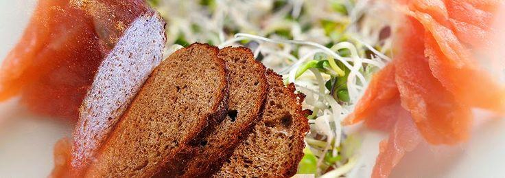 Food Memoir: κλαμπ σάντουιτς με σολομό και φύτρες
