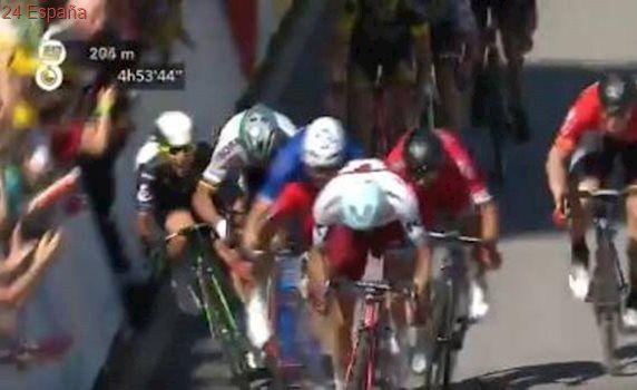 Victoria de Demare y durísima caída de Cavendish y Degenkolb en la recta de meta