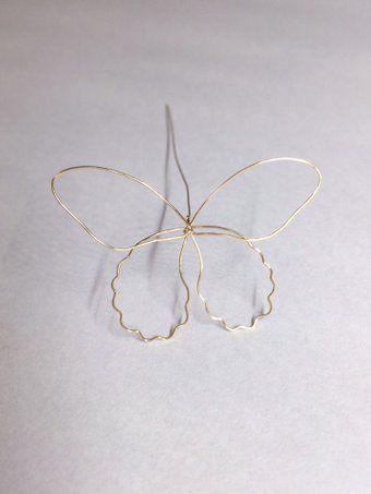 今回は蝶マニキュアヘアピン赤椿ピアス