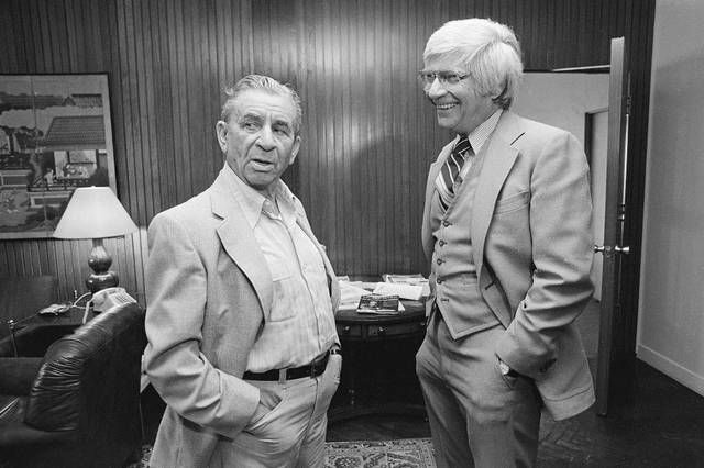 Miami Mafia boss Meyer Lansky, left, chats with his attorney E. David Rosen in the lawyer's office in 1982.