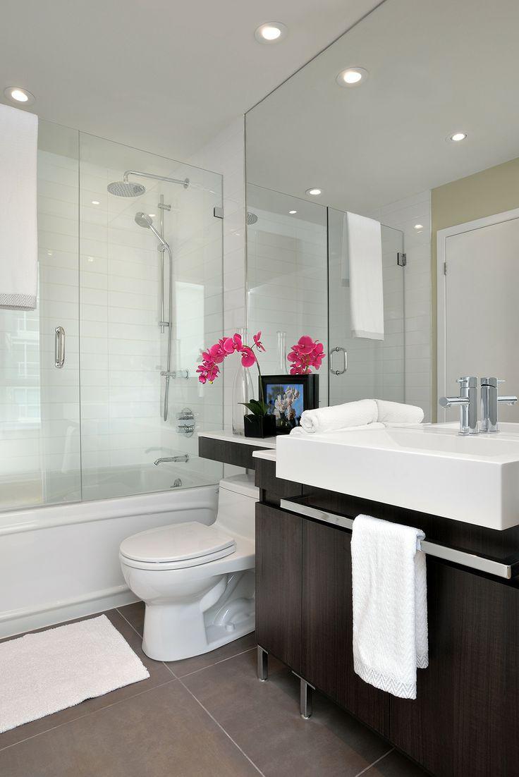 Bathroom space designed by Glen & Jamie from Peloso Alexander Interiors. #GlenandJamie #Design #bathroom #floral