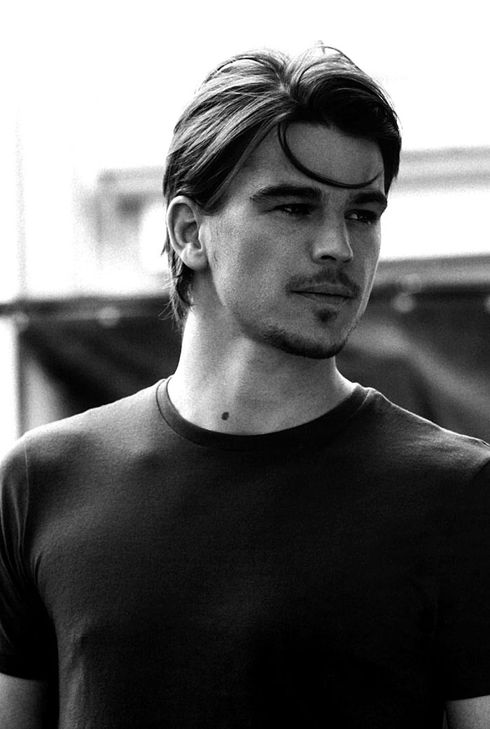 "Josh Hartnett. Underrated. This guy should be in a lot more stuff. ""Lucky Number Slevin."" Start there."
