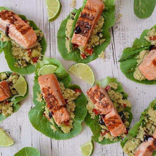 Bona tarda!! Salmón, cous cous integral, calabacín, pimiento rojo, espinacas, espárragos... ➖➖➖➖➖➖➖➖➖➖➖➖➖➖ #salmon #howsummer  #vegan #pipper #foodstyling #foodart #beautifulcuisines #bestfoodworld #picoftheday #natural #nature #picture #love #foodphotografy #foodporn  #foodbassador #gastronomia #gastrovictims #foodie #top_food_of_instagram #foodgawker #thekitchn #food52 #tastespotting #food #cook #cuina @thefeedfeed #thefeedfeed  #foodandwine #foodblogfeed