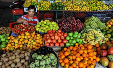 grocery cali colombia   MDG : Food in Colombia : A Colombian fruit vendor in La Alameda market ...