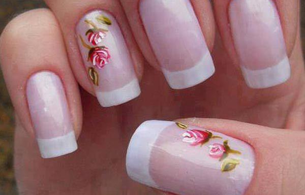 Diseños de uñas con rosas flores, diseño de uñas con rosas rojo blanco.   #diseñouñas #nails #uñasdemoda