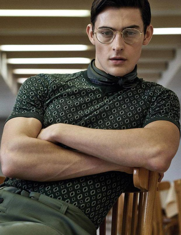 Top Model Rhys Pickering in Conference Call for GQ Portugal