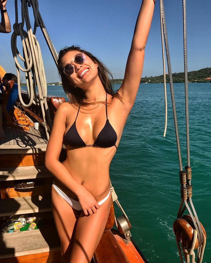 Jocelyn Chew in RayBan Round Metal #sunglasses #shades #fashion #streetstyle #bloggers #models #topmodels #gafas #gafasdesol #lunettesdesoleil #occhialidasole