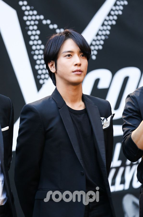 134 best CNBLUE images on Pinterest | Cnblue yonghwa ...