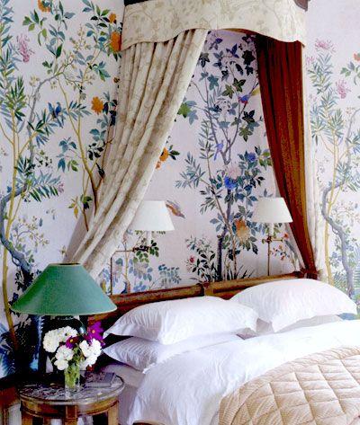 .Powder Room, Floral Wallpapers, Bedroom Wallpaper, Bedrooms Wallpapers, Interiors Design, Canopies Beds, Chinoiserie Chic, Chinoiserie Wallpapers, Beautiful Bedrooms